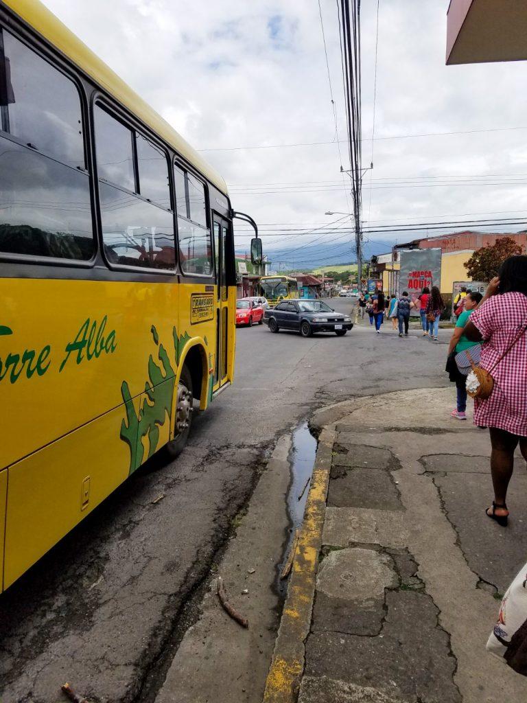 costa rica bus